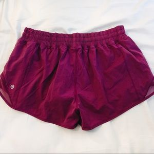 🍋lululemon hotty hot short II 2.5""